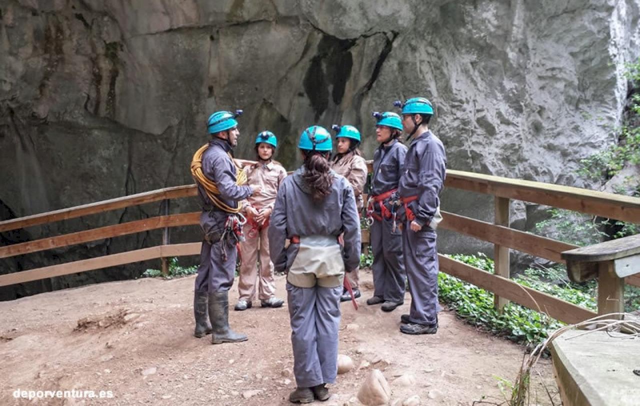 Escapada Senda del Oso y Cueva Huerta